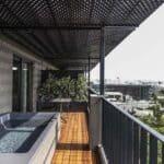 The Modernist Athens Suite Jacuzzi